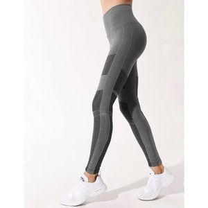 NWT Alō High-waisted Seamless Moto Leggings